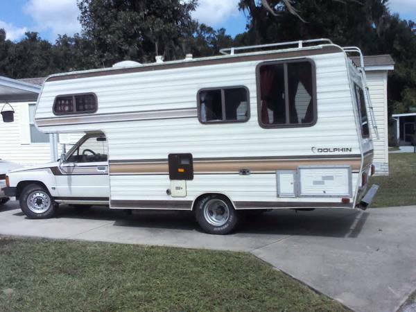 1985 Toyota Dolphin Motorhome For Sale in Maitland, FL