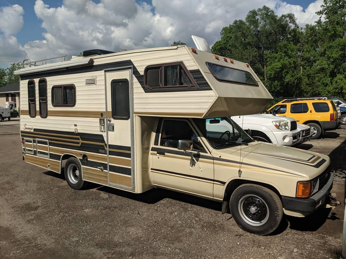 1986 Toyota Savannah Motorhome For Sale in Wonder Lake, IL